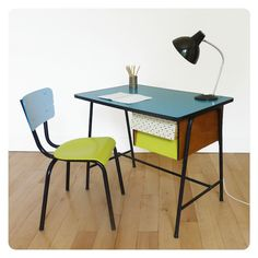 1000 ideas about table et chaise enfant on pinterest chaise enfant tabouret de bar. Black Bedroom Furniture Sets. Home Design Ideas