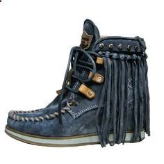 LOOKING FOR El Vaquero blue suede boots. 8 or Lace up and fringe suede boot.NOT FOR SALE. Looking for please contact me with any info Shoes Ankle Boots & Booties Hot Shoes, Crazy Shoes, Me Too Shoes, Fashion Mode, Fashion Shoes, Botas Boho, Boho Boots, Fringe Boots, Over Boots