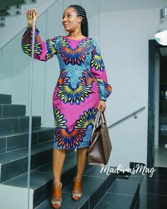 The ideal source for your afro chic life style and fashion site Ankara Short Gown Styles, Trendy Ankara Styles, Ankara Gowns, Ankara Dress, Ankara Blouse, Robes Ankara, African Print Dresses, African Fashion Dresses, African Dress