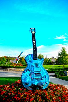The Wizard Les Paul statue in Nashville.