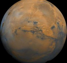 President Barack Obama has said the United States wants to send people to the Red Planet, Earth's neighbor, by the 2030s