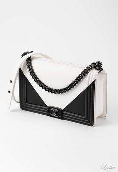 Chanel Bags Pre Spring-Summer 2017 | Lovika #handbags Besuche unseren Shop, wenn es nicht unbedingt Chanel sein muss.... ;-)