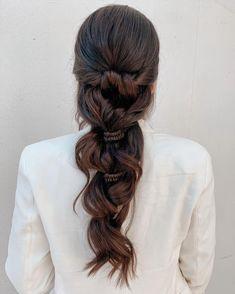 "𝙲𝚒𝚗𝚝𝚒𝚊 𝙹𝚊𝚜𝚜𝚘 on Instagram: ""I 🤍 boho brides 👰🏻 . . . . . #novias #allmodernhair #hotonbeauty #editorialhair #hairstyle #hairdresser #hairdo #modernsalon #americansalon…"" Boho Bridal Hair, Bridal Hair Inspiration, Editorial Hair, Boho Bride, Hairdresser, Dreadlocks, Hair Styles, Wedding, Beauty"