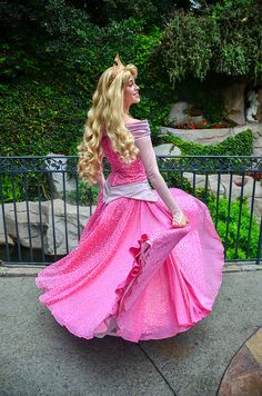 Princess Aurora Costume, Disney Princess Dresses, Disney Dresses, Disney Princesses, Disney Parks, Disney Pixar, Walt Disney, Sleeping Beauty Characters, Disneyland Princess
