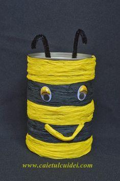 Cum facem o vaza rustica dintr-o cutie de conserve - CAIETUL CU IDEI Bucket Bag, Blog, Preserve, Gray, Pouch Bag