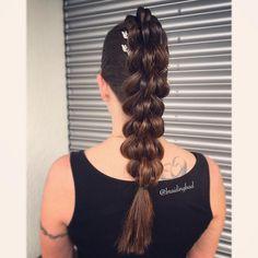 "Heli sanoo Instagramissa: ""#fourstrandpullthroughbraid for a gala night 🔅🔆🔅 . . . . #braidinghair #braidideas #neljäosainenläpivetoletti #braidingbad #instabraids…"""