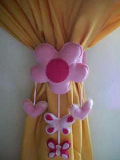 prendedor flor para quartinho infantil,podendo mudar cores modelos etc...o preço refere-se unidade  preço do par  90.00 R$ 45,00