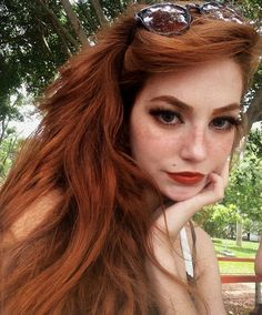 A gallery of pretty girls and beautiful women Natural Red Hair, Natural Redhead, Natural Hair Styles, Long Hair Styles, I Love Redheads, Gorgeous Redhead, Red Hair Color, Ginger Hair, Girl Hairstyles
