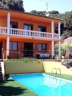 Disfruta de #LaArgentina y de sus maravillosas vistas al mar y a la montaña este Verano http://inexholidays.com/vivienda.php?idVivienda=99 … pic.twitter.com/tWe6ZMYq2F