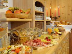 Kulinarischer Start in den Tag beim Moierhof in Truchtlaching #bauerhofurlaub #bayern #oberbayern #blauergockel #echteinladend