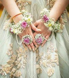 The Ever-charming Florals Indian Wedding Jewelry, Indian Bridal, Indian Weddings, Pakistani Bridal, Pakistani Dresses, Indian Jewelry, Rustic Weddings, Bridal Lehenga, Desi Wedding