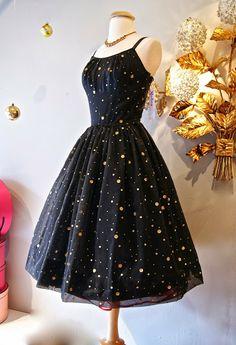 Xtabay Vintage Clothing Boutique – Portland, Oregon – Second Hand fashion Elegant Dresses, Vintage Dresses, Casual Dresses, Vintage Outfits, Short Dresses, Fashion Dresses, Vintage Clothing, Star Clothing, Clothing Styles