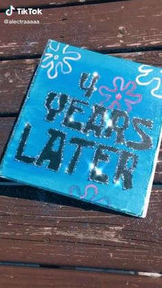 Great way to look back on old times Diy Best Friend Gifts, Cute Gifts For Friends, Birthday Gifts For Best Friend, Bff Gifts, Creative Birthday Gifts, Cute Birthday Gift, Diy Birthday, Senior Scrapbook Ideas, School Scrapbook