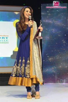 Karisma Kapoor At Asiavision Television Awards 2013 | Paul Embroidery