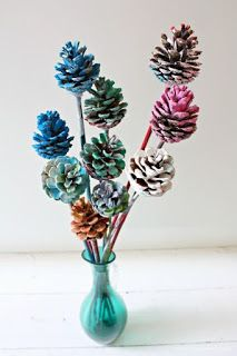 Crafts Pine Cones Nature crafts for kids - painted pine cone flowers Christmas Pine Cones, Christmas Crafts, Fall Crafts For Kids, Art For Kids, Pine Cone Crafts For Kids, Kid Art, Pine Cone Wedding, Pine Cone Art, Painted Pinecones