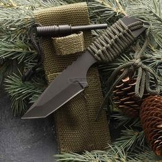 If you're going to a jungle, this is the ideal thing for you. The Camp Tanto with Fire Starter is a handy compact outdoor knife with a strong point and a comfortable nylon paracord wrapped grip. It comes with a nylon sheath that holds a fire star Best Camping Knife, Best Hunting Knives, Outdoor Knife, Bug Out Bag, Fire Starters, Fixed Blade Knife, Survival Tools, Paracord, Awesome