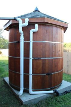 Build your own gallon wooden cistern. High quality SketchUp illustrations, actual photos of the cistern being built and assembled… Water Storage Tanks, Rainwater Harvesting, Homestead Survival, Water Conservation, Hobby Farms, Off The Grid, Water Tank, Sustainable Living, Backyard Landscaping