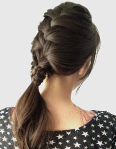 12 Ponytail Ideas for Summertime. This one is from Join the Mood.