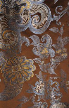 Janvier 2013 : tissu créé par JEAN BOGGIO pour Tassinari & Chatel (Collection Ispahan Réf.1687 05 brun).