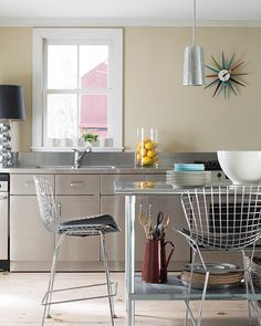 The Best Kitchen Paint Colors, According to Interior Designers Cabinet Paint Colors, Kitchen Paint Colors, Beautiful Kitchens, Cool Kitchens, Kitchen Interior, Home Interior Design, Interior Ideas, Taupe Kitchen Cabinets, Kitchen Walls