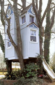Part 3 of our collection of amazingly awesome cubby houses. Gather ideas for the ultimate cubby house hideaway for your kids! Don't forget to check out Part 1 & 2 for even more cubby inspiration. Cubby Houses, Play Houses, Dream Houses, Cool Tree Houses, House Trees, Amazing Houses, Unusual Homes, In The Tree, Little Houses