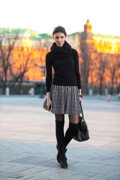 The 32 best street style looks spotted yesterday at Moscow Fashion Week.