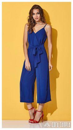 Ideas For Moda Juvenil Verano Shorts Love Fashion, Autumn Fashion, Fashion Outfits, Womens Fashion, Fashion Show Poster, Blue Jumpsuits, Skinny, Sewing Clothes, Pulls