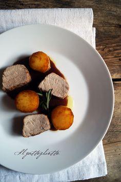 il gattoghiotto: Filetto di maiale con salsa al barolo e patate fondenti