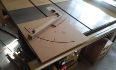 테이블쏘와 놀기 - 4. 없으면 아쉬운 테이블쏘를 위한 지그와 악세사리 10가지 : 네이버 블로그 Diy And Crafts, Desk, Wood, Furniture, Home Decor, Desktop, Decoration Home, Woodwind Instrument, Room Decor