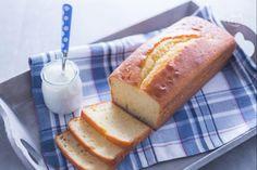 Il plumcake allo yogurt è un dolce soffice per la colazione o la merenda, gradito da grandi e piccoli per la sua leggerezza e morbidezza.