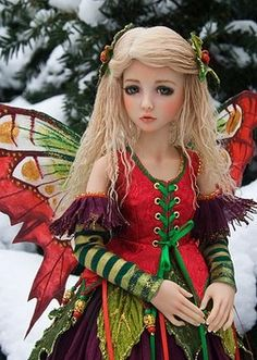 Winter Fairy Copyright © by Martha Boers of Antique Lilac Her dolls are just beautiful, love the costumes too :) so pretty Bjd Doll, Ooak Dolls, Beautiful Fairies, Beautiful Dolls, Carl Larsson, Winter Fairy, Love Fairy, Christmas Fairy, Magical Creatures