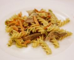 Spirali trafilate in bronzo con crema di carciofi e fiori di zucchina. #pasta #ricette #recipes #italy