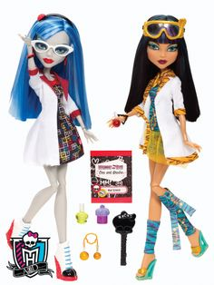 Mad Science collection ~ lab partners, Ghoulia Yelps and Cleo de NIle.  These dolls come as a set.  You can see mummy wrappings on Cleo's legs.  I love the little vials of chemicals and the lab coats!