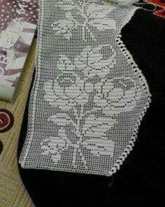 This Pin was discovered by Ayş Crochet Curtains, Filet Crochet, Christmas Stockings, Diy And Crafts, Projects To Try, Cross Stitch, Holiday Decor, Handmade, Crochet Pillow