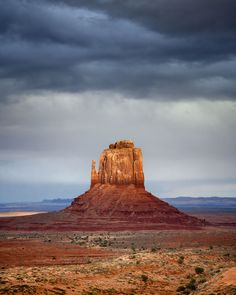 """Monument Valley's """"right mitten"""" catching the last of the day's light, before an evening storm. Desert Area, Desert Environment, Night Photos, First World, Travel Usa, State Parks, Monument Valley, Utah, Beautiful Places"""