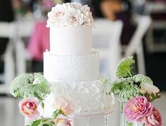 Elegantly Simple Wedding Cakes Made to Inspire