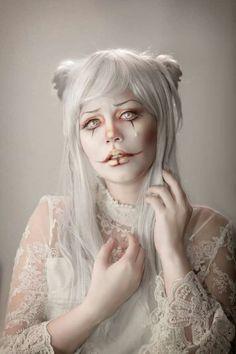 """Albino Clown"" - Gwen Von Sousukë by Rafael Ohana Circus Makeup, Clown Makeup, Fx Makeup, Cosplay Makeup, Costume Makeup, Hair Makeup, Doll Makeup, Costume Halloween, Halloween Make Up"
