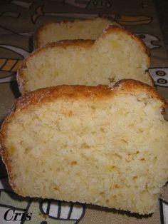 Bizcocho de manzana Ingredientes: 250gr. de harina 250gr. de azúcar 100gr. de aceite de girasol 3 huevos 1 yogur de manzana 1 manzana golden con piel ralladura de 1/2 limón 1 pizca de sal 1 sobre de levadura. Apple Recipes, Sweet Recipes, Thermomix Desserts, Cheesecake, Bread Machine Recipes, Easy Bread, Pound Cake Recipes, Pie Cake, Cupcake Cookies
