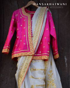 Dress gowns Photo By Hansa Khatwani - Bridal Wear Photo By Hansa Khatwani - Bridal Wear Saree Blouse Patterns, Sari Blouse Designs, Indian Wedding Outfits, Indian Outfits, Indian Clothes, Bridal Outfits, Saree Styles, Blouse Styles, Saree Draping Styles