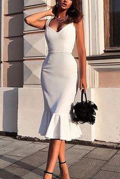 2020 Style, Update Your Wardrobe , New fashion dresses 2020 Mermaid Prom Dresses, Homecoming Dresses, Dress Prom, Wedding Dress, Vintage Style Outfits, Vintage Fashion, Kim K Style, Designer Cocktail Dress, Cocktail Dresses