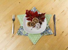 Kostenlose Anleitung: Weihnachtliche Dekoration, Untersetzer in Sternenform nähen / free diy tutorial: living accessory, sew table mats in star shape via DaWanda.com