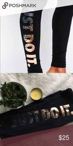 """NIke Gold """"Just Do it"""" Leggings Gently worn, looks new. Size xs, can fit small too. Nike Pants Leggings"""