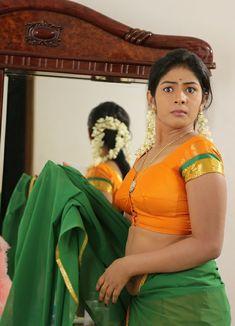 Hot Indian girl in sweaty blouse without saree South Indian Actress Hot, Most Beautiful Indian Actress, South Actress, Hot Actresses, Indian Actresses, Indian Photoshoot, Up Skirt Pics, Actress Pics, Tamil Actress