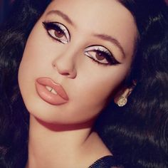 celebrity eye makeup looks - eye makeup celebrities ` eye makeup celebrity ` eye makeup celeb ` smokey eye makeup celebrity ` celebrity makeup red carpet smokey eye ` hooded eye makeup celebrity ` celebrity eye makeup looks ` celebrity cat eye makeup Makeup Trends, Makeup Inspo, Makeup Inspiration, Makeup Ideas, Mac Eye Makeup, Beauty Makeup, Eye Brows, Makeup For Big Eyes, 60s Makeup And Hair