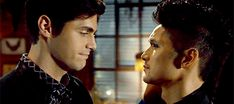 """shumbane: """"""""malec kisses in """" """" Malec Kiss, Magnus And Alec, Gifs, Family Is Everything, The Way You Are, Shadow Hunters, You're Beautiful, The Mortal Instruments, Kisses"""