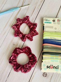 5 minute Market Scrunchies Crochet Pattern - Crochetboss.com Half Double Crochet, Single Crochet, Beanie Pattern, Crochet Handbags, Crochet For Beginners, Crochet Accessories, Slip Stitch, Handmade Christmas, Handmade Crafts