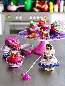 Papiermuffin Formen Mit diesen bunten Papierförmchen gelingen die Muffins garantiert. Lieferbar in zwei Farben, von RICE.