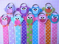 This is for ONE bow holder!    Organize your little ones clippies with our owl hair bow holder. This is a very basic hair bow holder with great