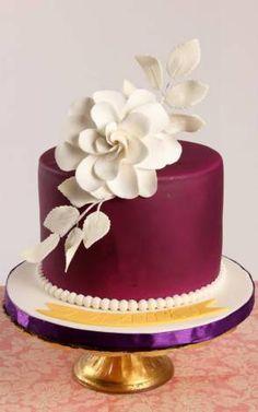 Burgundy mini cake