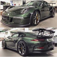 The Porsche 911 is a truly a race car you can drive on the street. It's distinctive Porsche styling is backed up by incredible race car performance. Porsche Sports Car, Porsche Cars, Audi, Maserati, Ferrari 458, Lamborghini, Porsche 991 Gt3 Rs, Porsche Modelos, Sport Cars